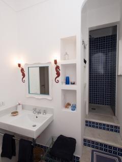 Bathroom 2 (upper floor)