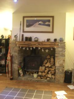 Also has a fire place and log burner