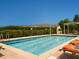 DAPHNI  SUNSET  VILLA /transfers included /car included !!