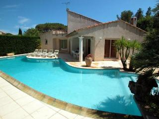 1025 St Raphael villa with large private pool, Saint-Raphael