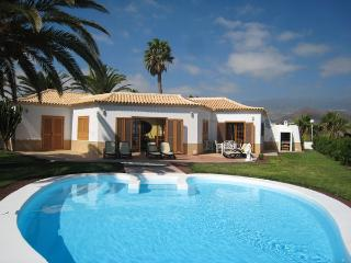 Private Pool & Sea Views on an Excellent Complex, Golf del Sur