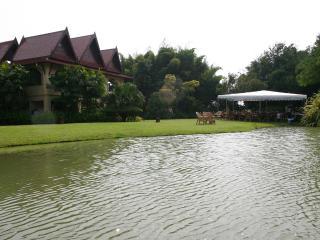 Away Chiang Kham Villa