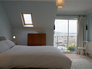 Master bedroom (bedroom 1 - top floor)