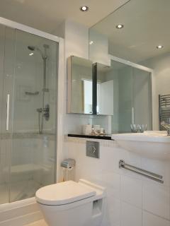 En-suite Toilet/Shower