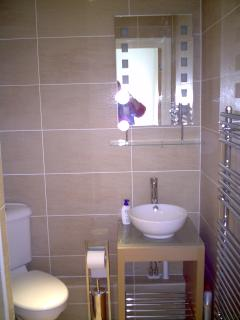 Wake up with a shower in the en-suite