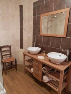 Room for two in the large En-suite