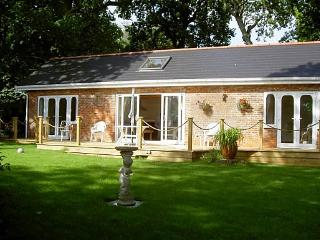 """Kipper Cottage "" Waterside property, Wootton Bridge"