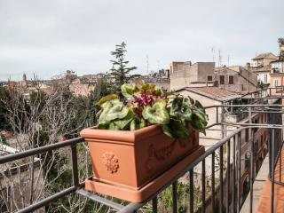 Monti amazing family apartment, Roma