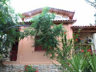 Amaryllis Villa, Tolon