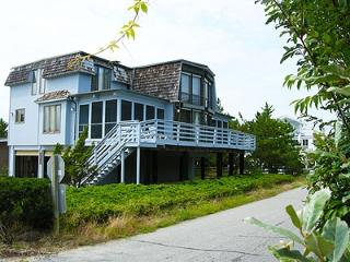 Unique 3 bedroom home with large deck and porch, Bethany Beach