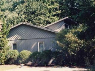 Unique 4 bedroom, 2 bath home with a porch!, Bethany Beach