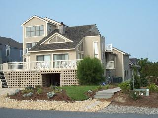 One of a kind 7 bedroom home with ocean views and private pool!, Cedar Neck