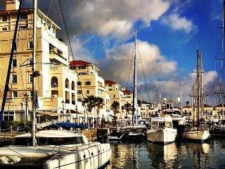 Hi Jinx, Gibilterra