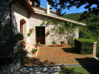 CERRO COTTAGE/Spoleto centre 5 mls + train station