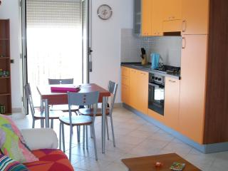 Calopezzati - spacious 2 bedroom holiday apartment