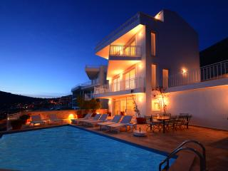 5 Bedrooms Twin Villas (FREE CAR OR TRANSFER), Kalkan