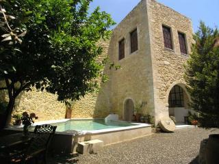 Venetian Castle 540m2 (5812sqft) Heated pool (Owner advert of villa Maroulas)