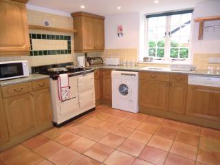 Spacious kitchen with Aga