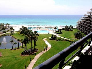 Spend The Holidays In Paradise When You Book This 2BR Gulf Coast Condo!