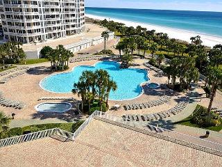 Dreamin Of A Relaxing Holiday? Spend It In This Luxury 3 BR Gulf Front Condo!