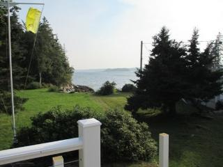 ISLAND VIEW| BOOTHBAY HAROR, MAINE | SPRUCE POINT | SPECTACULAR VIEWS| WATER ACCESS | 5 BEDROOMS | FAMILY REUNION, Boothbay