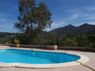 Pool View - very quiet loction - ideal for kids pool voleyball etc.