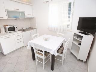 Seaside Apartment White, Slatine