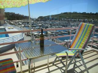 FRONT LINE APARTMENT ON MARINA, SPACIOUS,STUNNING VIEWS, POOL, Albufeira