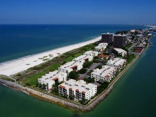 Land's End #302 building 5 - Gulf View, Treasure Island