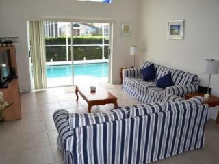 Deluxe 4 Bed 2 Bath Pool Home at The Manors, Westridge near Disney. 148GL, Orlando