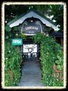 Entrance to Sandbar.... & guest rooms.