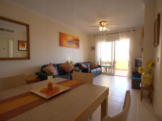 2nd floor, pool view, 2 bed, FREE AIRCON, NO CLEANING FEE, Los Alcazares