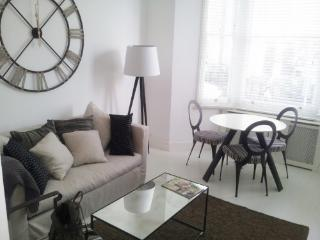 Quality 2 Bedroom In Chelsea, Londres