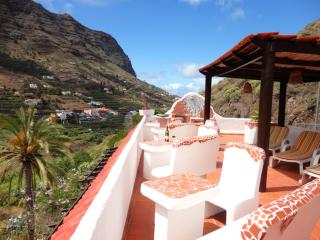 Apartmenthouse with 6 Apartments incredible view, Hermigua