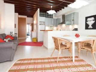Amazing House with patio in Santa Catalina, Palma de Mallorca