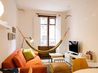 Comfy and central apartment in Poblesec (B25P1), Barcelona