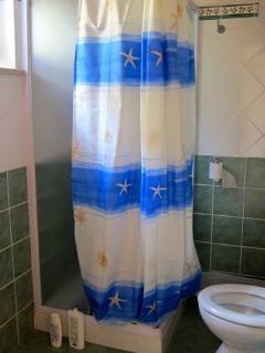 Bathroom 1 / Bagno 2