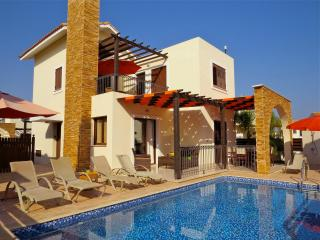 Villa Potamos,  own pool, free wi-fi and aircon