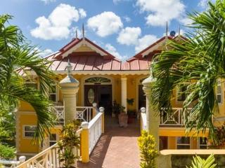 5 Min drive from Rodney  Bay, Gros Islet