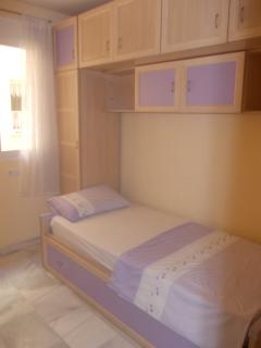 Single room with additional pull out bed