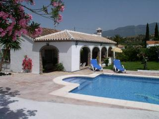 Detached villa, private pool and gardens