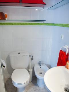Baño en suite de la habitación azul