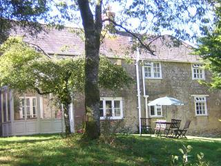 Orchard Cottage, sleeps 5 (+1) - 2 spacious ensuite bedrooms, King-size beds, Broadwindsor