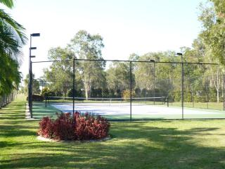 Tennis Haven 15mins from Noosa