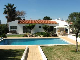 Wimbledon villa pool/ tennis, Albufeira