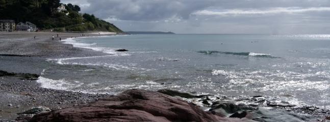 Seaton beach 2 minutes away