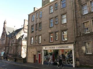 96/1 Canongate, Edimburgo