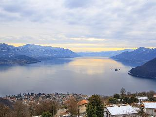 Lake Maggiore 3 bedroom apartment with stunning lake views (BFY13200)