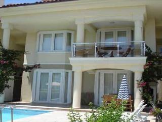 5 bed beachfront villa