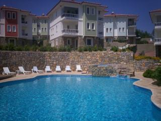 Datca Waterlily Garden Apartment overlooking Pool